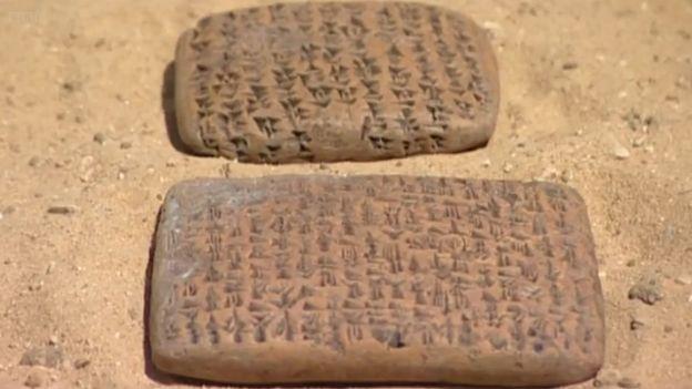 Tábuas de escrita do período