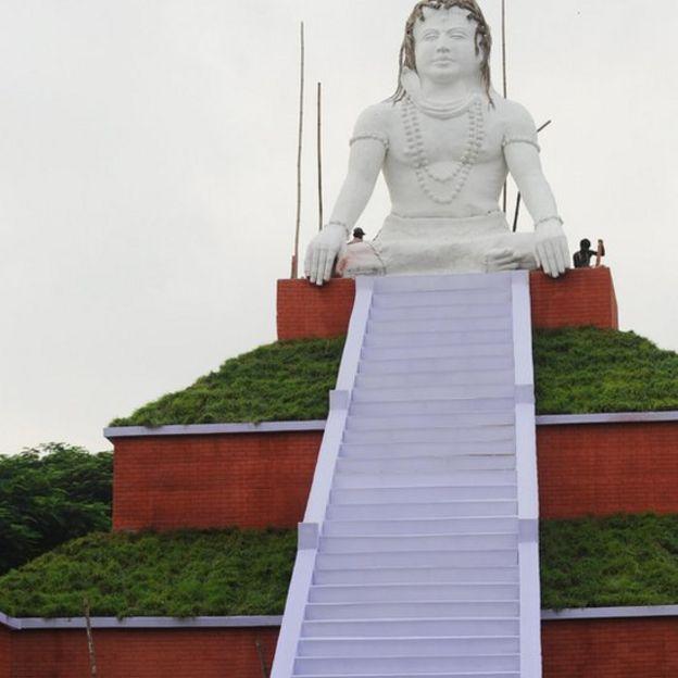 Tượng Thần Shiva ở Kolkata chụp năm 2006