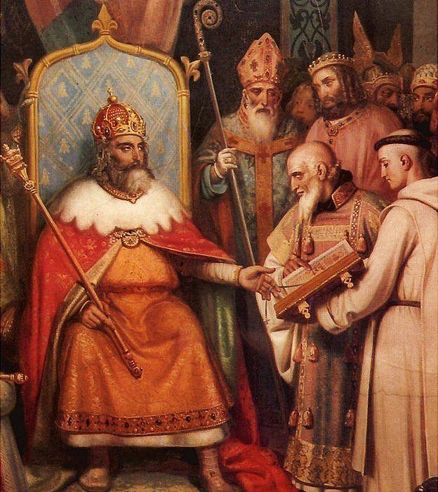 Alcuino mostrándole un libro a Carlomagno.