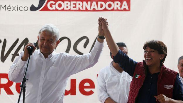 Andrés Manuel López Obrador y Delfina Gómez