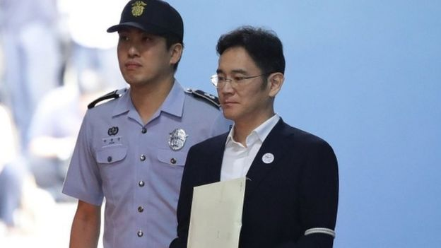 Lee Jae-yong, vice chairman of Samsung Electronics, leaves after his verdict at the Seoul Central District Court on 25 August 2017 in Seoul, South Korea