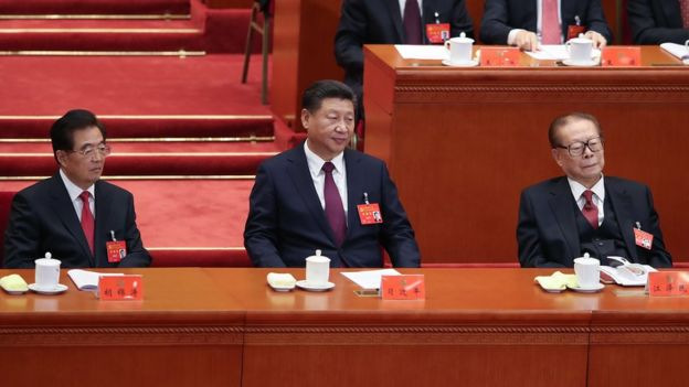十九大中,胡錦濤、習近平和江澤民(從左至右)