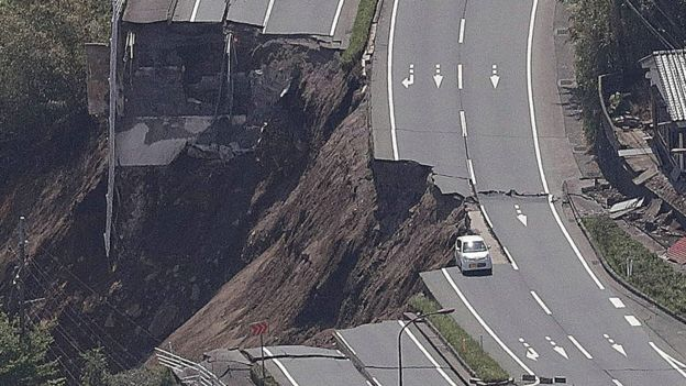 Japan earthquake: Rescuers in 'race against time' as storm hits ...
