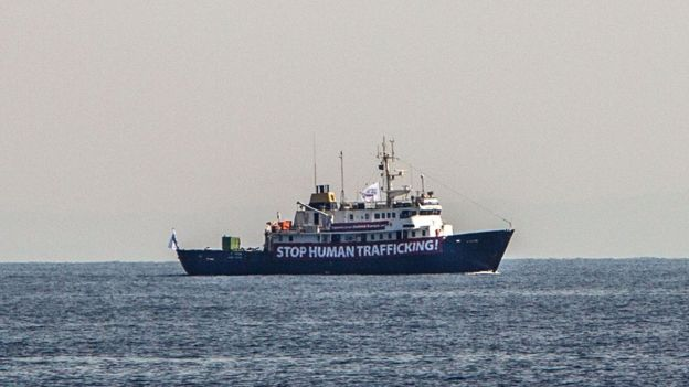 Anti-Migrant Ship Blocked By Tunisian Fishermen