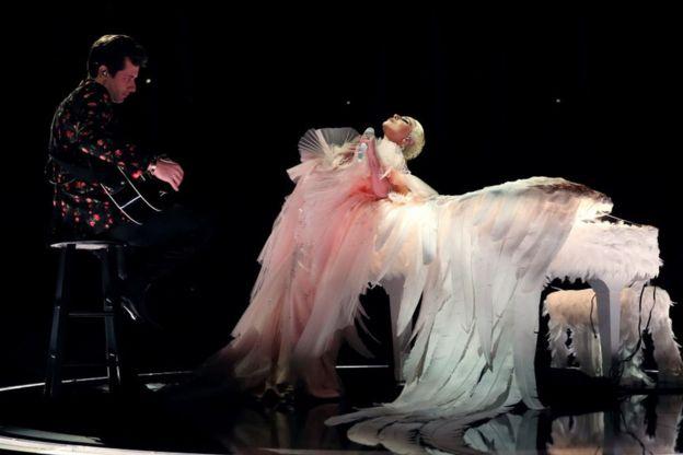 Леди Гага на сцене
