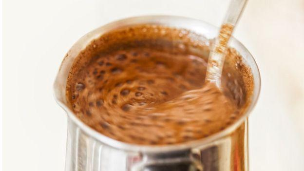 Revolviendo café
