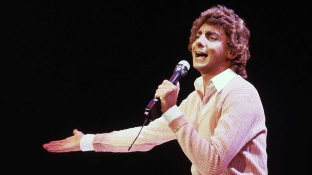Barry Manilow in 1982