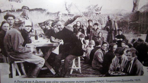 لاهوتی در روزهای تجلیل از نخستین سالگرد تاسیس جمهوری تاجیکستان