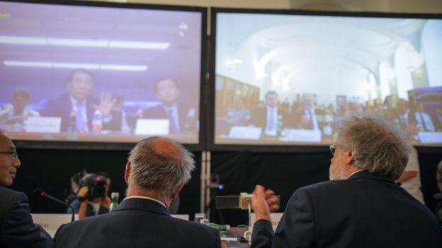 Cientistas chineses e austríacos se comunicam por vídeo