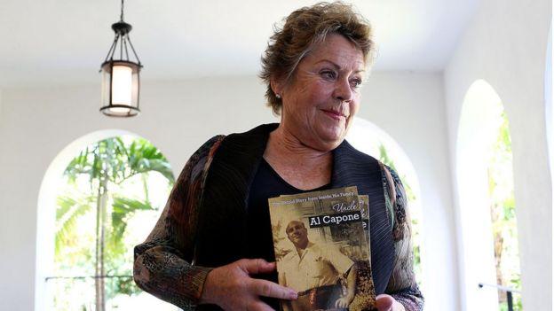 Deirdre Capone, la sobrina nieta de Al Capone escribió un libro sobre la relación con su tío.  GETTY IMAGES