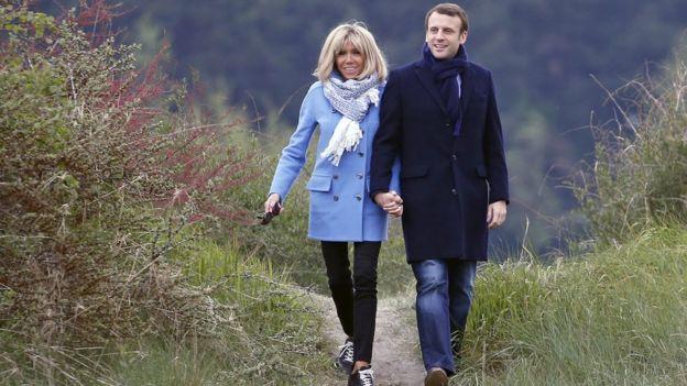 Ông Macron và bà Brigitte, hình chụp hôm 22/4/2017