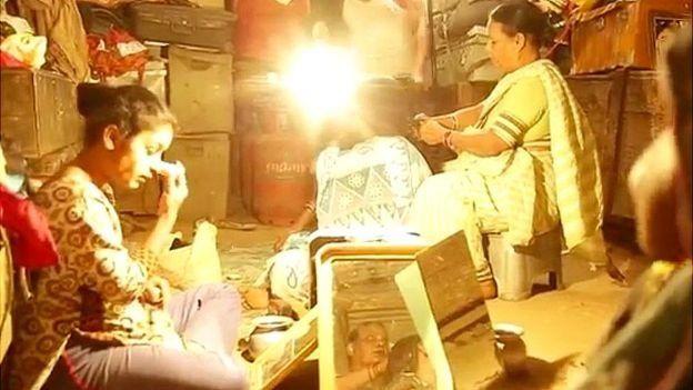 'சுரபி' நாடகக் குழுவினர்