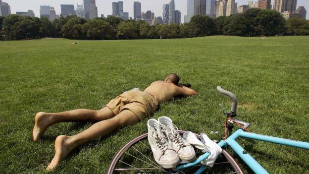 Một nghiên cứu cho thấy doanh nhân nghỉ phép ít hơn trong giai đoạn trung niên thường chết sớm hơn và sức khỏe tồi tệ khi về già.