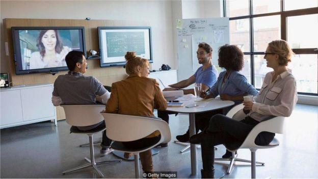 Các cuộc họp qua video có tác dụng tích cực cho những ai làm việc từ nhà và muốn nâng cao kỹ năng thuyết trình