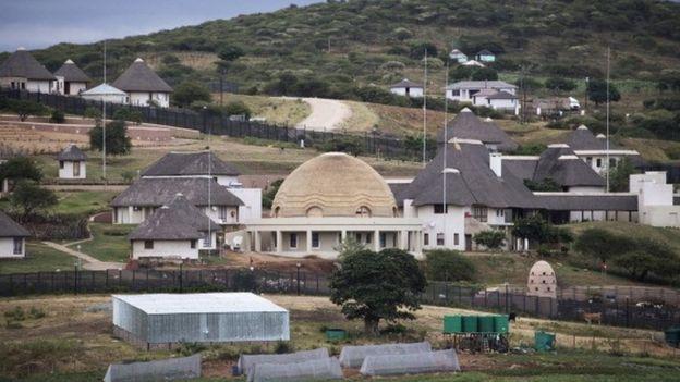 Zuma'nın kamu parası kullanarak yaptırdığı evi