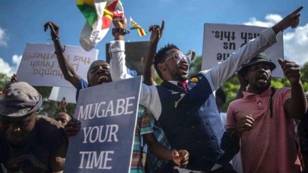Raia wa Zimbabwe wafurahia kujiuzulu kwa Mugabe
