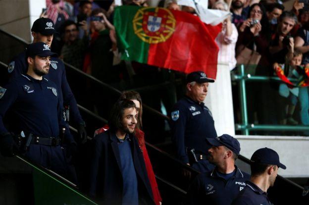 Sobral returns to Lisbon, 14 May 17