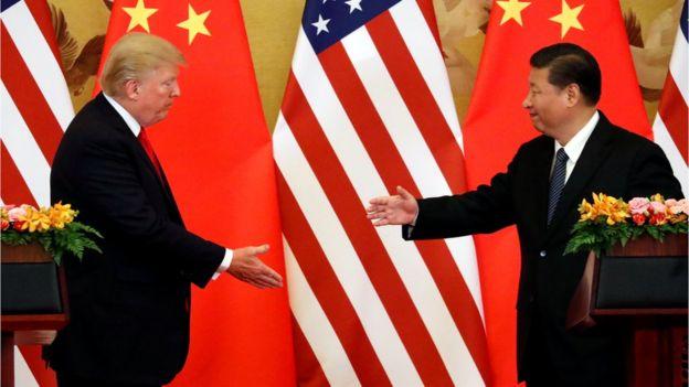 特朗普和習近平握手。
