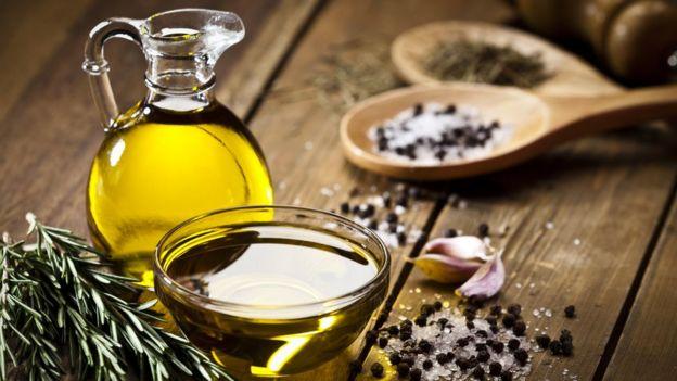 """""""El aceite de oliva no sirve para freír"""" y otros mitos en la cocina _96208252_gettyimages-585601190"""