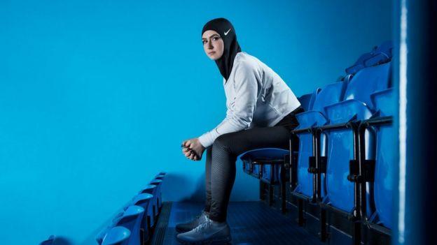 Modelo da Nike com hijab