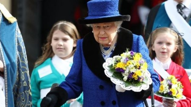 The Queen's nosegay was made up of daffodils, primroses, stocks, purple statice, freesias, rosemary and thyme with ivy leafs