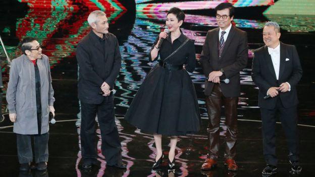 金馬獎主辦單位希望將頒獎典禮的焦點聚集在電影人的身上。