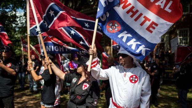 Supremacistas blancos en Charlottesville, Virginia.