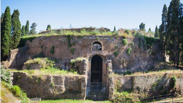 Roma'da Augustus Mozolesi
