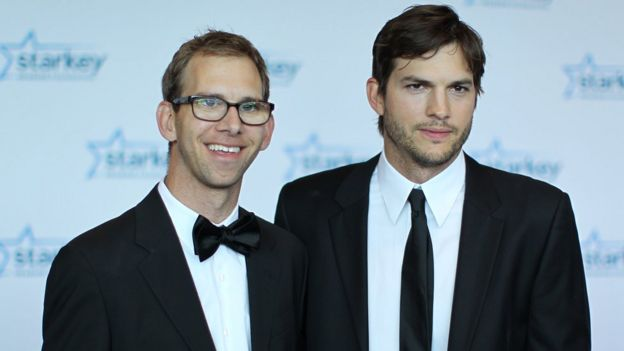 Michael y Ashton Kutcher