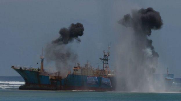 Kapal pencuri ikan FV Viking ditenggelamkan di lepas Pantai Pangandaran, Jawa Barat, Maret lalu.