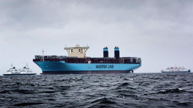 شرکت عظیم کشتیرانی مرسک گفته است تجارت با ایران را متوقف می کند
