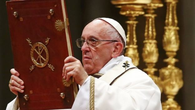 Pope Francis: Christmas 'hostage to materialism' - BBC News