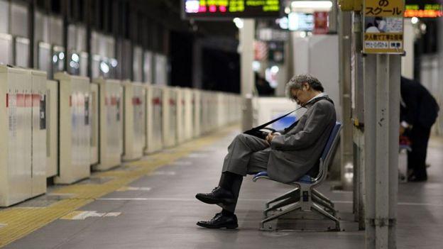 疲憊的日本商人