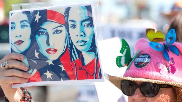 Protesta contra el veto de Trump en enero