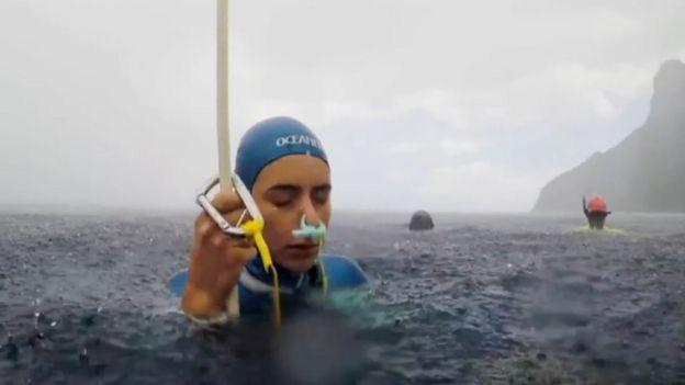 Sofía Gómez Uribe antes de una inmersión.