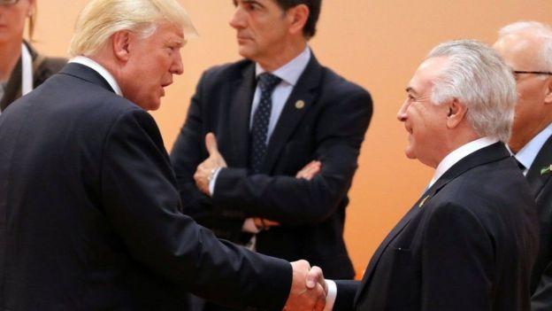 Donald Trump e Michel Temer se cumprimentam Hamburgo, na Alemanha, em julho do ano passado