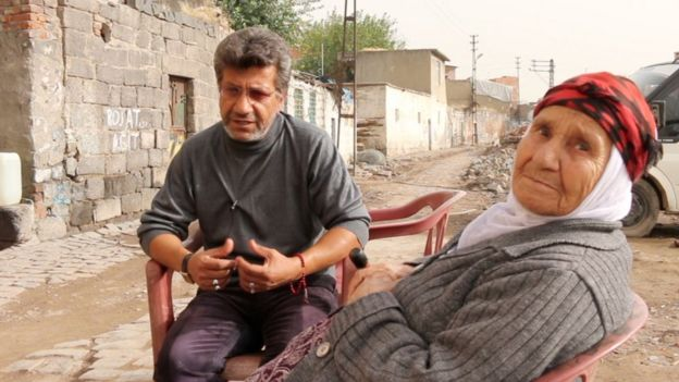 Şehmus Özgezer ve annesi Fesla