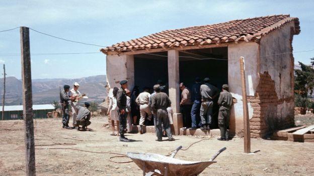 Lavandería de Vallegrande en 1967