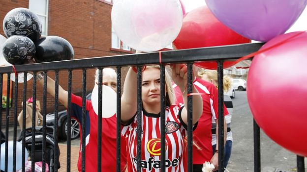 Mourners line the route of Bradley Lowery funeral cortege
