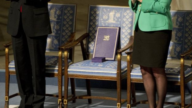 The empty chair with Liu Xiaobo's Nobel Peace Prize on it