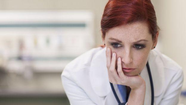 Doctora preocupada