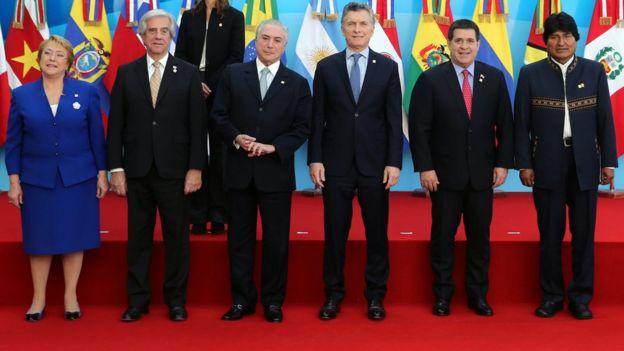 De izquierda a derecha, los presidentes Michelle Bachelet (Chile), Tabaré Vázquez (Uruguay), Michel Temer (Brasil), Mauricio Macri (Argentina), Horacio Cartes (Paraguay) y Evo Morales (Bolivia), durante una reunión del Mercosur este año.