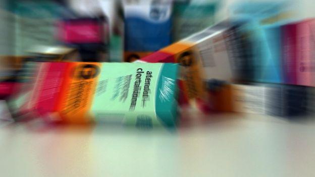 Remédios na prateleira