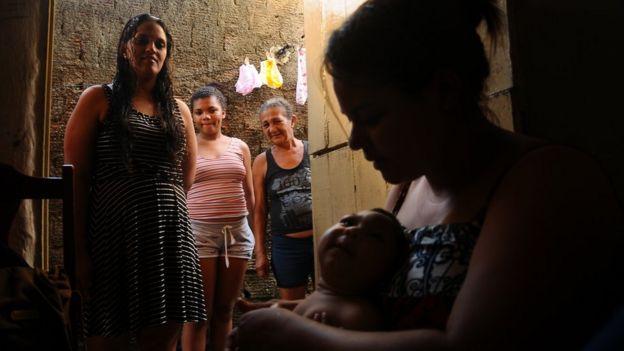 Severina Carla da Silva e Nívea Heloíse em Recife, Pernambuco