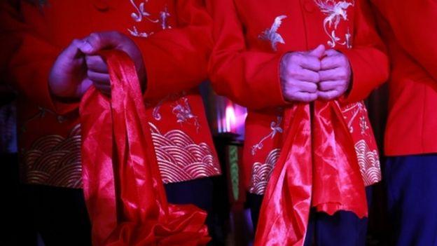 中國LGBT人士舉行集體婚禮