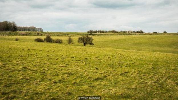 如今,杜灵顿垣墙 (Durrington Walls) 是一片被土堤包围的区域