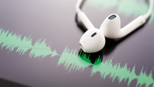 Grabación MP3 y auriculares.