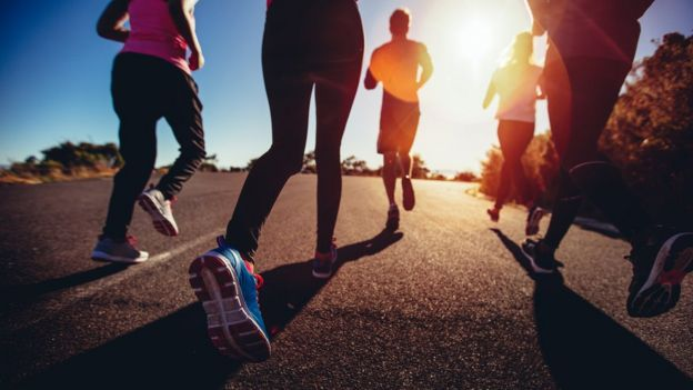 Mulheres correndo