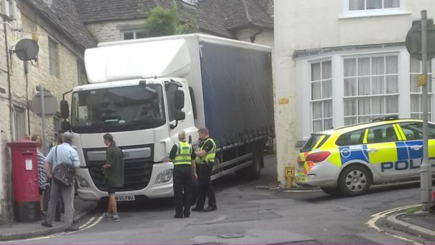 The lorry was released after two hours