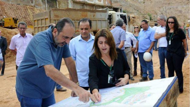 Kalil visita obras em aglomerado Santa Lúcia